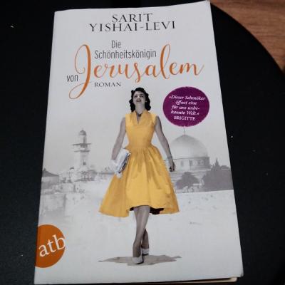 Die Schönheitskönigin von Jerusalem // Sarit Yishai-Levi
